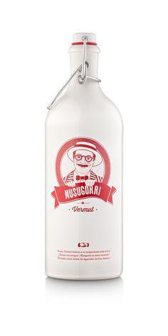 Mejor Packaging -Musugorri Vermut ied madrid design awards 2017 Rum Bottle, Liquor Bottles, Whiskey Bottle, Bottle Design, Design Awards, Whisky, Packaging Design, Herbalism, Alcohol
