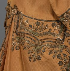 LOT 506 GENTS FRENCH JEWELED and METALLIC EMBROIDERED COAT, 1760 - 1780. - whitakerauction