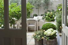 Leopoldina Haynes Small Garden - Modern Country Style