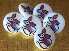 Like Buttons, come join our Facebook group Button Button Who's Got The Button https://www.facebook.com/groups/whosgotbuttons/