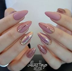 Nail polish original transparent nude nail art easy to make black line min varnish nail original transparent nude nail art simple black line min ., # to # volts, a woman who breaks nine toe to get a .Soft Pink Nails Designs for winter glitter 2019 An Hot Nails, Nude Nails, Coffin Nails, Stiletto Nails, Soft Pink Nails, Pink Nail Art, Shiny Nails, Nail Art Rose, Pink Gold Nails