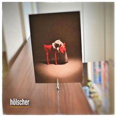 Ein kleiner Lichtblick im PaketeBriefPostGewusel heute - eine Postkarte aus dem museum angewandtekunst in Frankfurt - einfach schön! #hoelschuh #emsdetten