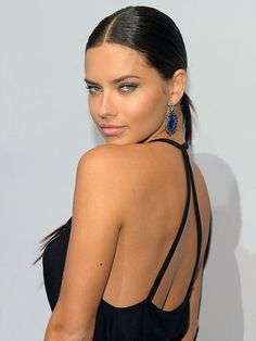 The definition of Brazilian bombshell has been a mainstay of Victoria's Secret for years. Exhibit A: Adriana Lima. Adriana Lima Joven, Adriana Lima Young, Adriana Lima Style, Most Beautiful Women, Beautiful People, Absolutely Gorgeous, Modelos Victoria Secret, Brazilian Models, Famous Models
