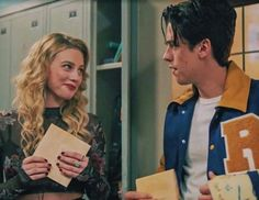 Riverdale Poster, Riverdale Archie, Bughead Riverdale, Netflix Series, Tv Series, Lili Reinhart And Cole Sprouse, Midnight Club, Camilla Mendes, Gina Gershon