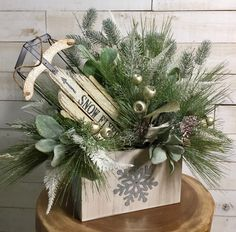 Among the most wonderful and sophisticated types of plants, we carefully selected the matching people and altered them right into a special design. Christmas Sled, Christmas Tabletop, Christmas Table Decorations, Country Christmas, Christmas Projects, Christmas Wreaths, Christmas Sleighs, Antique Christmas, Primitive Christmas