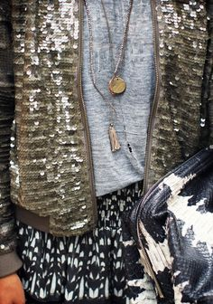 Sincerely, Jules - we love the sparkle! Mode Style, Style Me, Sincerely Jules, Sequin Jacket, Sequin Sweater, Look Boho, Inspiration Mode, Love Fashion, Fashion Trends