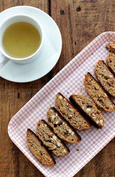 Crunchy, tasty and so easy to make, this grain-free almond biscotti will definitely become a favorite tea-time snack to make and to eat. Snacks To Make, Tea Time Snacks, Gluten Free Baking, Gluten Free Recipes, Almond Biscotti Recipe, Paleo Treats, Paleo Cookies, Delicious Desserts, Yummy Food