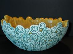 Coil bowl out of clay. Pottery Bowls, Ceramic Pottery, Pottery Art, Ceramic Techniques, Pottery Techniques, Ceramic Clay, Ceramic Bowls, Pottery Handbuilding, Coil Pots