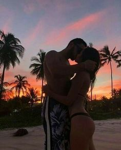 Cute Couples Photos, Cute Couple Pictures, Cute Couples Goals, Romantic Couples, Couple Photos, Goofy Couples, Black Couples, Young Couples, Couple Tumblr