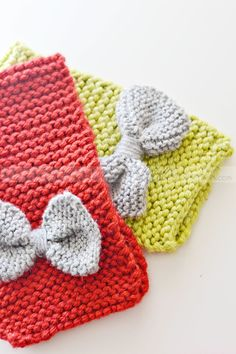 Easy & Fast Knit Bow Scarf by LittleInspiration.com Perfect for beginners!