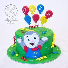 Cake design. Gâteau personnalisé en pâte à sucre sur le thème Tchoupi avec ballons. Sugar paste Tchoupi themed cake by Les Délices de Marion.