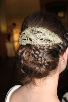 i would wear my hair like this at my future wedding if i have one...