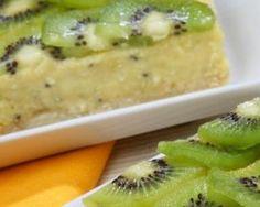 Gâteau renversé allégé aux kiwis : http://www.fourchette-et-bikini.fr/recettes/recettes-minceur/gateau-renverse-allege-aux-kiwis.html