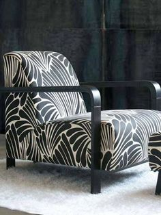 Beautiful pattern design by Florence Broadhurst. Black and White very expensive, Luxurious.