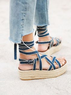 """Flatforms Are the """"Ugly"""" Shoes You'll Totally Wear All Spring via Brit + Co"""
