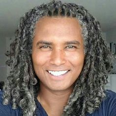 Looks like locs Silver Grey Hair, Black Hair, Gray Hair, My Hairstyle, Afro Hairstyles, Naturally Beautiful, Beautiful Men, Curly Hair Styles, Natural Hair Styles