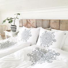 Bedroom @apellebacken Jersey bedding Beach House Company model SNOWFLAKE