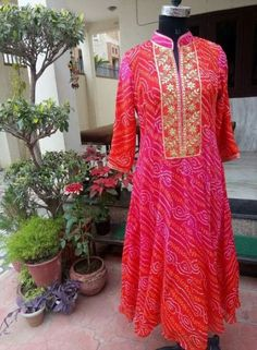 Kurti Neck Designs, Kurta Designs Women, Kurti Designs Party Wear, Blouse Designs, Indian Attire, Indian Wear, Indian Outfits, Bandhani Dress, Anarkali Dress