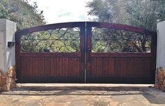 RUSTIC 101 - Driveway Gates                                                                                                                                                     More Wrought Iron Driveway Gates, Driveway Entrance, Front Gates, Entrance Gates, Entry Doors, Wood Gates, Iron Gate Design, House Gate Design, Tor Design