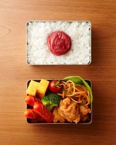 Typical Japanese Bento Lunch (Umeboshi Plum on Rice, JFC Karaage Chicken, Red Sausage, Neapolitan Tomato Spaghetti, Tamagoyaki Omelet)|日の丸弁当