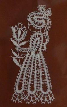 Lace Art, Lace Jewelry, Lace Making, Bobbin Lace, Lace Detail, Projects To Try, Human Figures, Butterfly, How To Make
