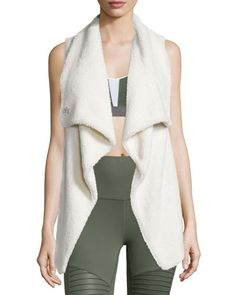 I0NZE Alo Yoga Cozy-Up Draped Sport Vest, Natural