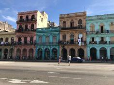 que ver en Cuba restaurante El Asturianito Varadero, Havana Cuba, Louvre, Mansions, House Styles, Building, Travel, Home Cleaning, Cuban Cigars