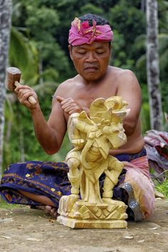 If you are after Balinese carvings, contact me, and I can take you to get whatever your heart desires ~  www.rudisbalitours.com