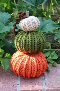 Crochet Fall Decor, Holiday Crochet, Crochet Home, Crochet Cactus, Crochet Yarn, Free Crochet, Crochet Pumpkin Pattern, Halloween Crochet Patterns, Autumn Crafts