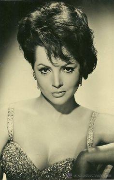 Detalle de la imagen de -SARA MONTIEL-FOTO POSTAL DE SARA MONTIEL DE 1961 EN BLANCO Y NEGRO ...