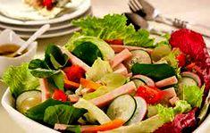 Salada Mista Clássica - http://www.receitasja.com/receita-de-salada-mista-classica/