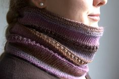 Ravelry: Sandy (1 ball cowl) pattern by Olga Ivanova