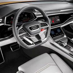 Audi Q8 Sport Concept 2017  Conceito antecipa SUV de alto luxo para os próximos anos. O carro representa máximo prestígio esportividade e tecnologia em todas as suas áreas. Combina motor 3.0 TFSI de seis cilindros com sistema híbrido e compressor elétrico. Como resultado o Q8 mostra todo o talento de sua performance. Com seus 476 cv e 700 Nm de torque o carro acelera de 0 a 100 km/h em apenas 47 segundos  e atinge velocidade máxima de 275 km/h. Sua autonomia de mais de 1.200 km.  O interior…