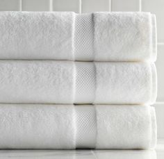 Basic White Bath Towels in the biggest size they make for guest bathrooms. Stash some Clean Crisp White room spray in the guest bedroom for an instant refresh if needed. Turkish Bath Towels, Spa Towels, Guest Bathrooms, White Towels, Room Essentials, Bathroom Accessories, House Accessories, Ikea, Pure Products