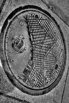 Seattle Grid Manhole Cover