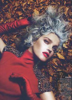 Natalia Vodianova  Other people in this editorial:    Mert Alas and Marcus Piggott - Photographer  Grace Coddington - Fashion Editor/Stylist  Julien d'Ys - Hair Stylist  Charlotte Tilbury - Makeup Artist