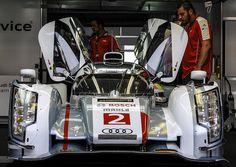 #2 Audi Sport R18 eTron Quattro. #LeMans