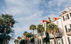 8 Can't-miss Points of Interest in Charleston, South Carolina | The much-loved Southern city of Charleston, South Carolina is home to a number of historic points of interest, antique shops, and world-class restaurants. Here are 8 of our favorite things to see and do.