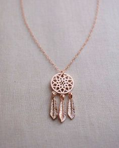 Dreamcatcher Necklace in rose gold by Olive Yew. Dream Catcher Necklace with dangling feathers. Cute Jewelry, Jewelry Box, Jewelry Accessories, Jewelry Necklaces, Jewelry Design, Jewelry Making, Jewelry Armoire, Jewelry Ideas, Jewelry Supplies