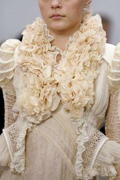 chiffonandribbons:  Jessica Stam, Balenciaga S/S 2006  Snow White.