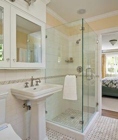 salle de bain et douche italienne avec combiné encastré