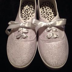 Cascada Bella Designs Women's White Ice Glitter Plimsolls (White And Silver Glitter Laces) · Cascada Bella Designs · Online Store Powered by Storenvy