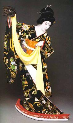 National Living Treasure of Japan as an Kabuki actor, BANDO Tamasaburo 坂東玉三郎(人間国宝) Yukata, Kabuki Costume, Living Treasures, Art Asiatique, Art Japonais, Asian Doll, Japanese Kimono, Japanese Mask, Japanese Beauty