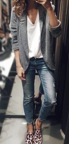 Great fashion for so many ocassions | | Stylish outfit ideas for women who love fashion. #fall #outfits gray cardigan