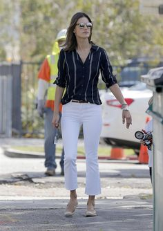Alessandra Ambrosio wearing Elyse Walker Los Angeles Dee Suede Espadrille Loafers, Linda Farrow 370 Sunglasses, Audemars Piguet Royal Oak Quartz Watch, J Brand Selena 8314 Mid-Rise Crop Jeans in Blanc and Sanctuary Shannon Blouse in Marine Ticking Stripe Alessandra Ambrosio, Cool Outfits, Casual Outfits, Fashion Outfits, Kate Middleton Jeans, Casual Chic, Espadrilles Outfit, White Jeans Outfit, Looks Plus Size