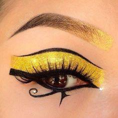 El ojo de horus makeup.