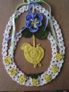 Romans z szydełkiem: lutego 2015 Crochet Stitches, Knit Crochet, Diy Ostern, Crochet Snowflakes, Easter Crochet, Beaded Ornaments, Little Birds, Crochet Accessories, Crochet Designs