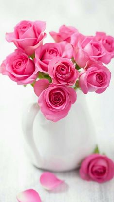 Garden crafts to sell how to make 17 Super Ideas Beautiful Pink Roses, My Flower, Pink Flowers, Beautiful Flowers, Pink Rose Bouquet, Rosa Rose, Rose Cottage, Flower Wallpaper, Amazing Gardens