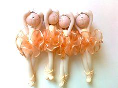 4 móbiles bailarina =) by Sonho Doce Biscuit *Vania.Luzz*, via Flickr....so cute!!!