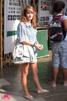 A combinação super leveza, camisa de algodão + short + havaianas da Gabrielle Hartmann   http://www.quartodamoda.net/?p=9134